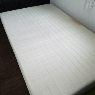マットレス付きセミダブルベッド