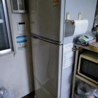 冷蔵庫 無料です、早く来れる人優先!