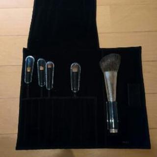 新品 化粧ブラシ セット(ケース付き)