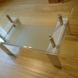 おしゃれなガラスローテーブル