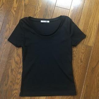 黒シャツ。スリーサイズ。中古