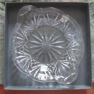 新品ウオーターフォードクリスタル(直径19センチガラスの小皿)