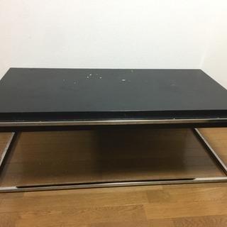 スチールフレームのローテーブル