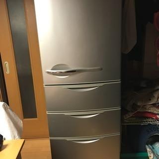 4ドア冷凍冷蔵庫シルバー