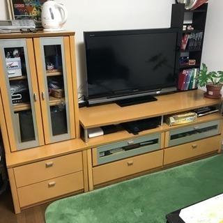 テレビ台とサイドボード