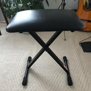 キーボード用の椅子です。一ヶ月くらいしか使用していません。