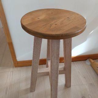 木製 可愛い椅子