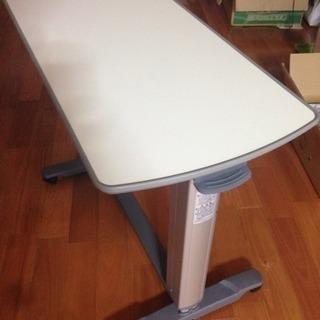 パラマウントベッド製 昇降ベッドサイドテーブル