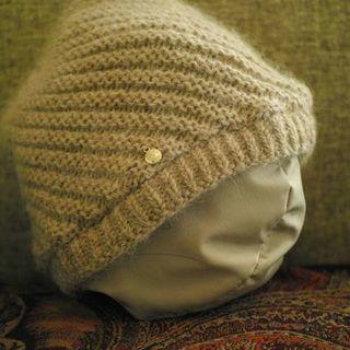 フルラ    ベージュニット帽子