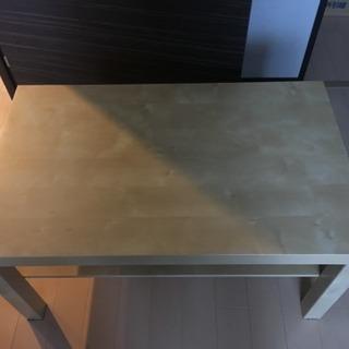 コーヒーテーブル(IKEA)、 チャイルドシート、パソコンデスク差...