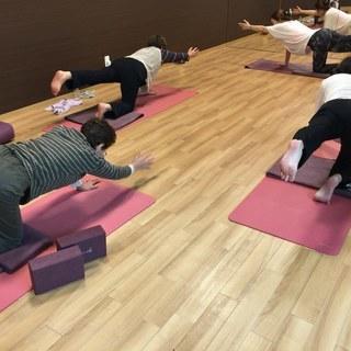 yoga教室500円  /  65歳以上限定クラス 初心者大歓迎...
