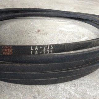 LA-235 Vベルト 未使用品
