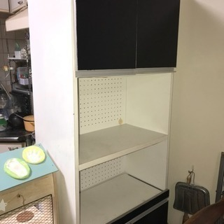食器棚 スライド、コンセントも付いてて便利!