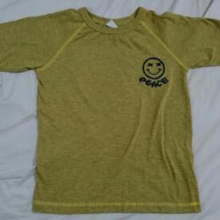 140サイズのからし色Tシャツ 美品