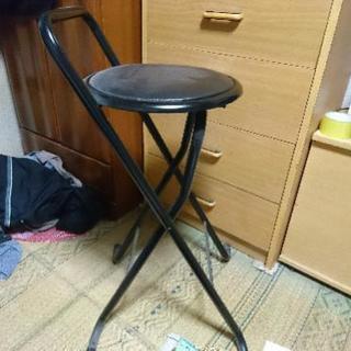 (訳あり)折り畳み式のパイプ椅子です(^-^)