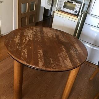 (交渉中)[値下げ]円形テーブル&椅子4脚セット