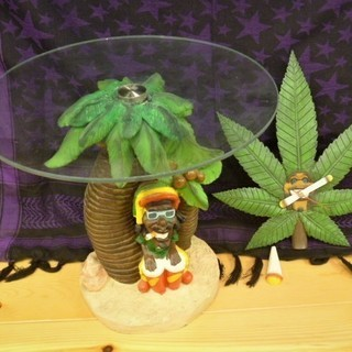 ジャマイカ風 ラスタマンローテーブル&掛け時計 ジャンク