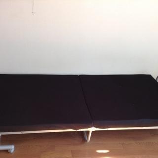 【美品!値下げ中】シングル折りたたみベッド