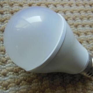 【送料込み600円・返品可】LED電球 昼白色 40W相当  中...