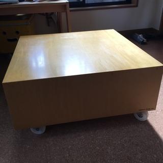 キャスター付き正方形テーブル