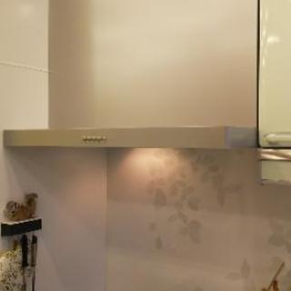 キッチン換気扇交換しています。