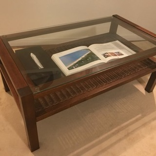 アジアン・バリ風ガラス ローテーブル(小物置き・棚板付き)