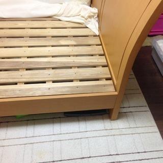 条件変更!ダブルベッド 無料で差し上げます!(フレームのみ)