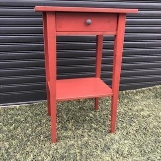 赤い家具 棚 引き出し付き