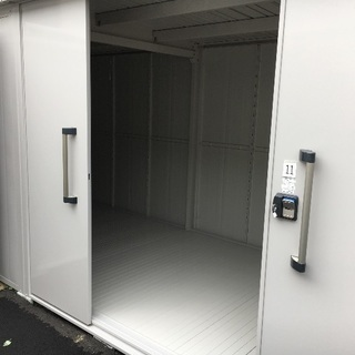 【礼金無料!期間限定!】レンタル収納スペース(約8畳・倉庫・トラ...
