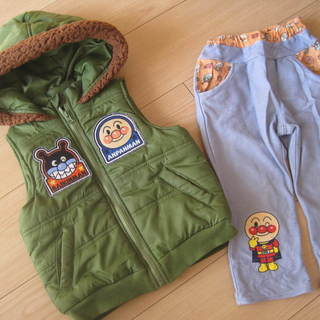 アンパンマン ダウンベストとズボンのセット サイズ95