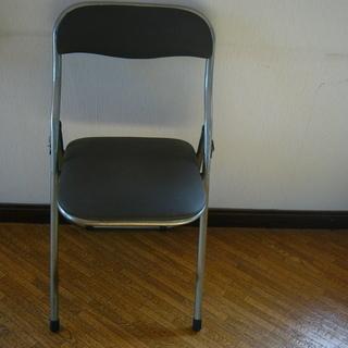 訳あり家具/パイプ椅子/足の部分横パイプ欠損