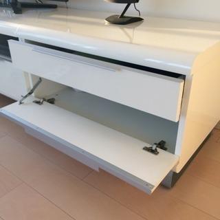 ホワイトAVボード(ピアノ風塗装)の画像