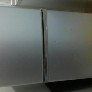 112ℓ冷蔵庫(冷凍31ℓ 冷蔵81ℓ) 08年製