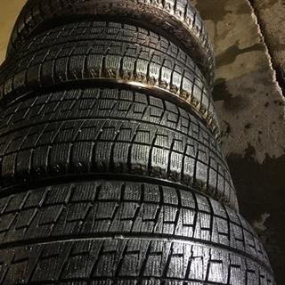 スタッドレスタイヤ 14インチ5穴PCD100