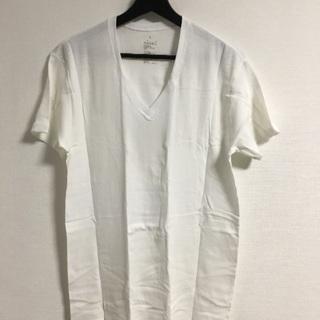 無印良品のVネックTシャツの画像