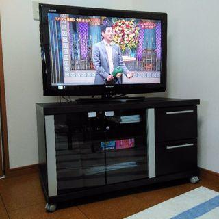 収納たくさんテレビ台