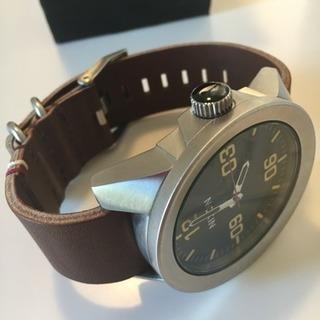 値下げました!新品 Nixonメンズ腕時計