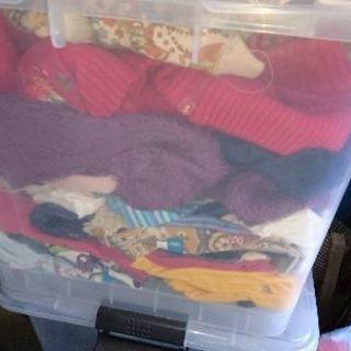子供服、婦人服、小物、食器、フリマ用などに、プラスチックケース3...