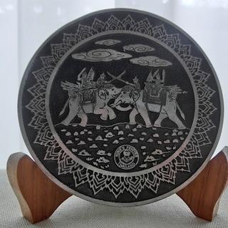 タイ製KING'S PEWTERプレート木製台座付き 伝統工芸品...
