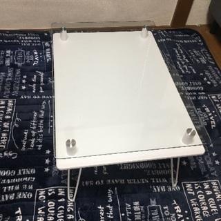 ホワイト ガラステーブル