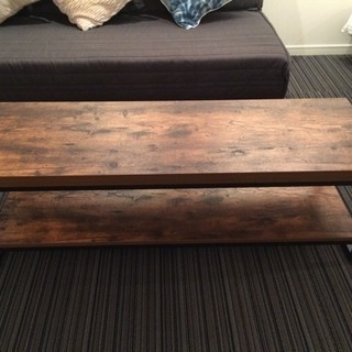 細長いテーブル