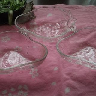 【受渡し調整中】イチゴのガラス器3つ&ASAHIのガラス器2つ