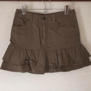 ベージュ2段フリル ミニ丈スカート