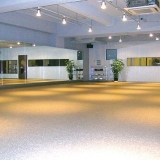 とても広いレンタルスタジオ・所沢のダンススタジオ  UNDERWO...