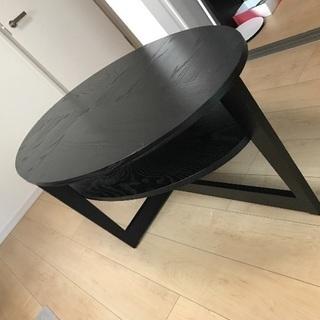 IKEAのコーヒーテーブル VEJMON