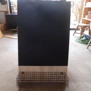◆新品・◆おしゃれウェルカムボード黒板+アイアン製カゴ付き