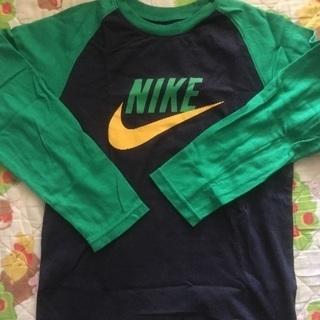 超美品 ナイキ 長Tシャツ 130