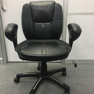 肘付き回転椅子