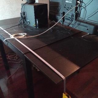 IKEA 収納式の大型テーブル