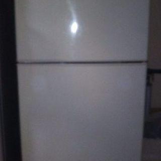 冷蔵庫(120)貰って下さい